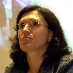 Júlia Caré